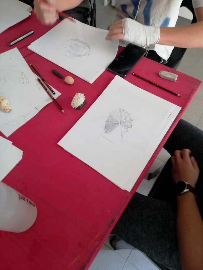 Hoot-Institute-Art-Class-7